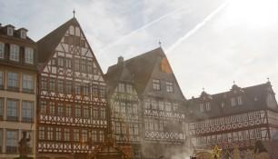 Здания муниципалитета на площади Рёмерберг, Франкфурт-на-Майне, Германия, фераль 2014 | Самостоятельные путешествия ChanceToTrip.com