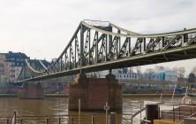 Пешеходный мост через Майн, Франкфурт-на-Майне, Германия, фераль 2014 | Самостоятельные путешествия ChanceToTrip.com