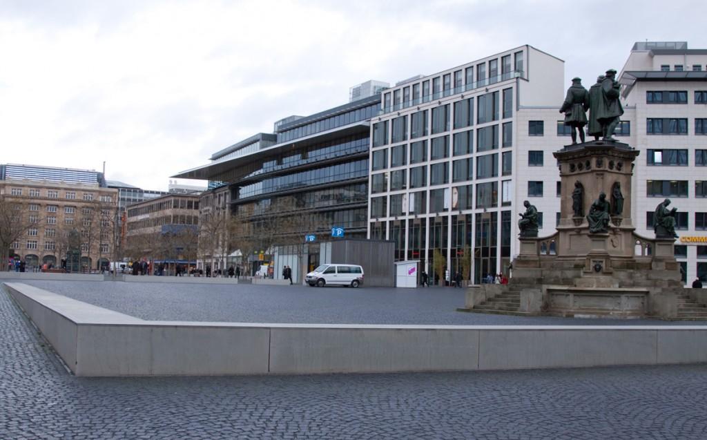 Площадь Гете, вид со стороны Финансового квартала, Франкфурт-на-Майне, Германия | Самостоятельные путешествия ChanceToTrip.com