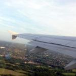Зачем открывать оконные шторки в самолете во время взлета и посадки? [ChanceToTrip INSIDE]