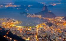 Ночной Рио-де-Жанейро (бухта Гуанабара и Сахарная голова), вид со смотровой площадки у подножия Статуи Христа