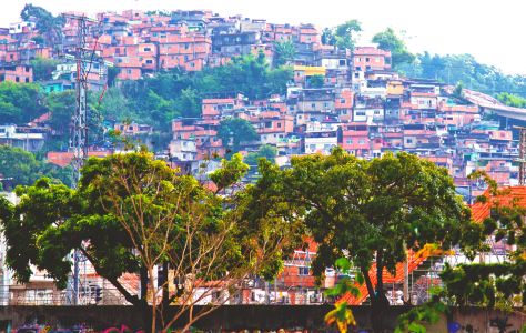 Фавелы Рио близ стадиона Маракана