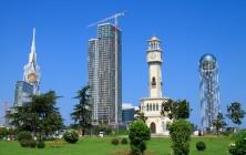 Слева направо - Hilton, апартотель, Башня Чачи, Башня грузинского алфавита, Батуми, Грузия | Vladimir Fil'varkiv