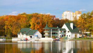 Осень, Лодочная станция в Парке победы, Минск | ChanceToTrip.com by Vladimir Filvarkiv