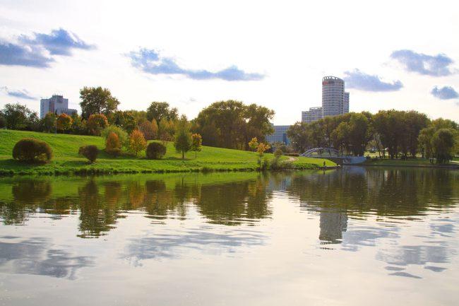 Осень, река Свислочь, Минск   ChanceToTrip.com by Vladimir Filvarkiv
