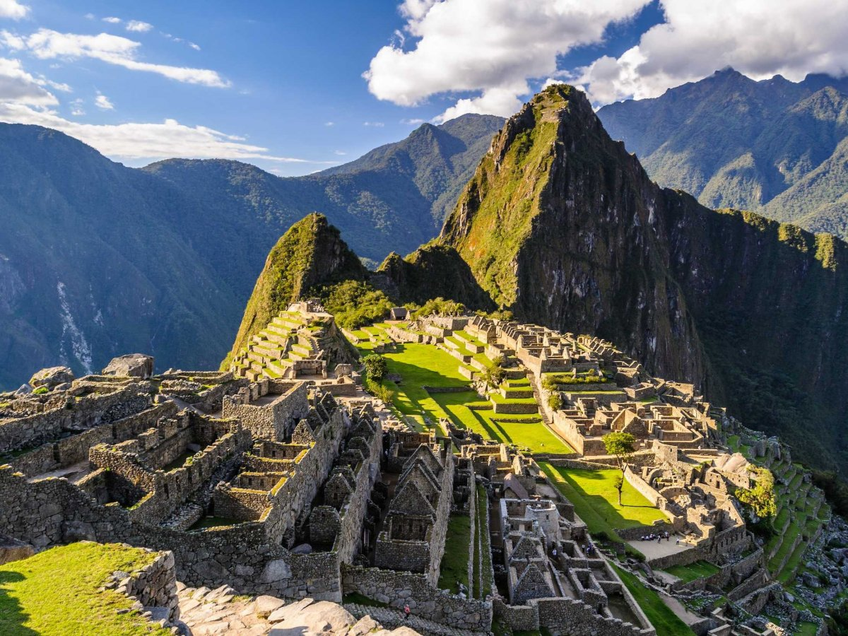 climb-up-to-machu-picchu-in-peru-to-see-the-impressive-and-almost-untouched-ruins-of-the-lost-city-of-the-incas