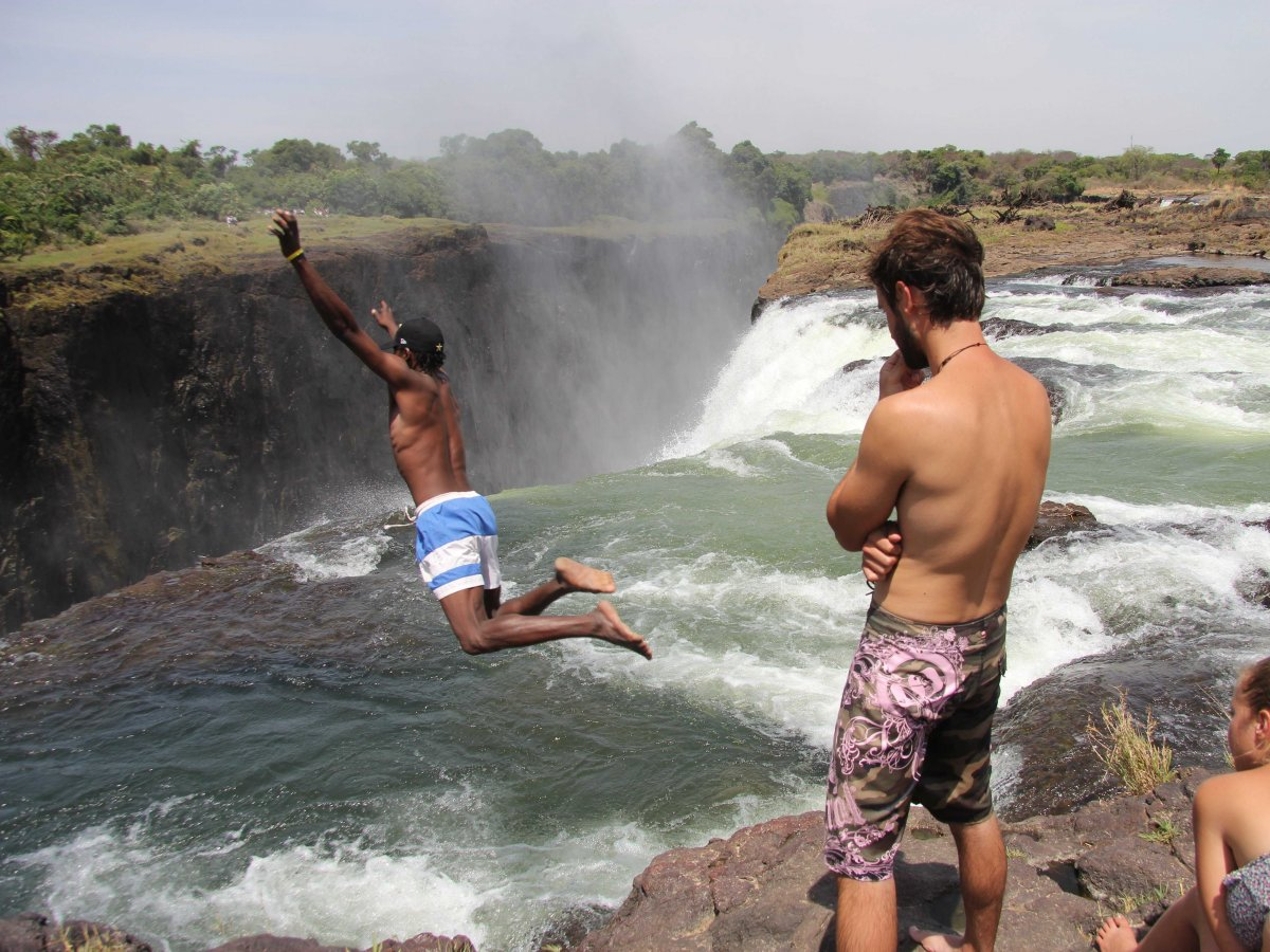 feel-like-youre-swimming-off-the-edge-of-a-cliff-at-the-devils-pool-a-natural-infinity-pool-in-victoria-falls-which-borders-zambia-and-zimbabwe